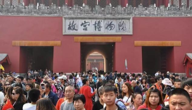 """我惊了!原来上海居然有座小""""故宫"""",公交就能直达"""