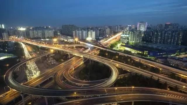 接转京沪高速等对外联络通道极为方便;由嘉闵高架往