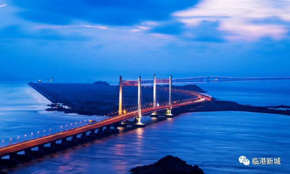 热点新闻      东海大桥工程是上海国际航运中心洋山深水港区一期工程