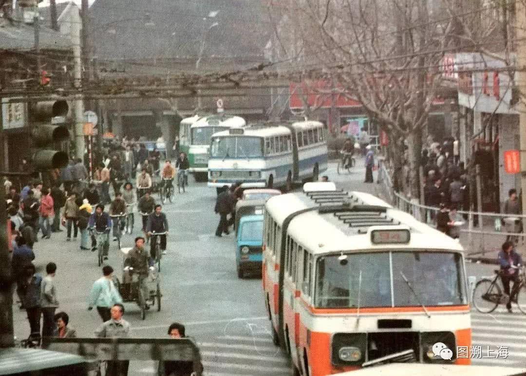北京电视台站(公交站)位置,有哪些公交车_北京公交
