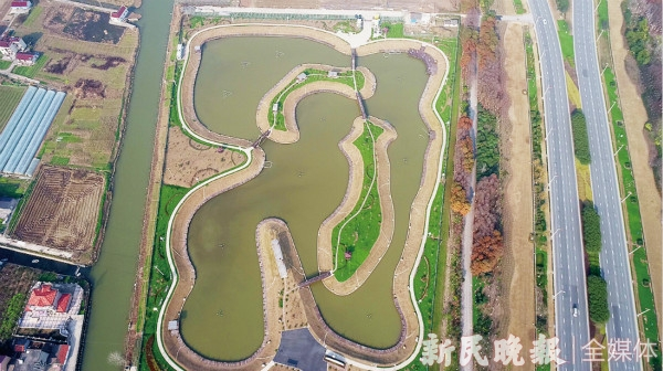 浦�|塘北村:昔日海�荒僻村 今朝和�C瓜果�l
