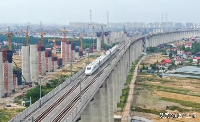 《【无极2平台代理】TA来了!大苏州崛起三座高铁新城》