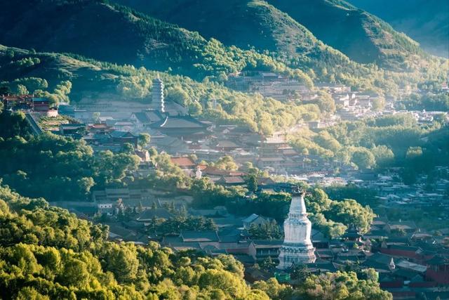 《【无极2平台主管】上海人可免费游全国100多个景区!》